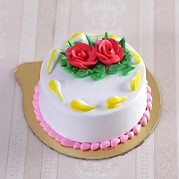Classic Vanilla Cake Topped with Roses